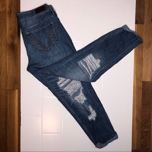 🆕 HOLLISTER / distressed ankle jeans
